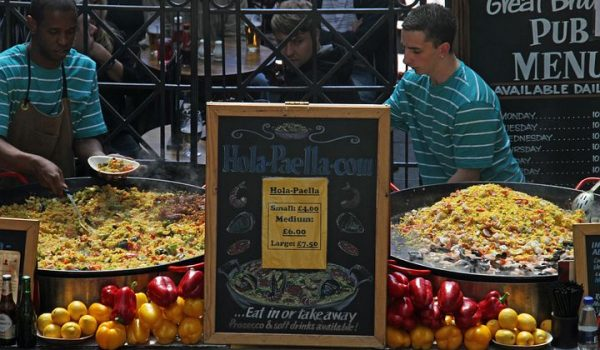 Appointment Discussion Topics With Paella Catering Services in Sydney