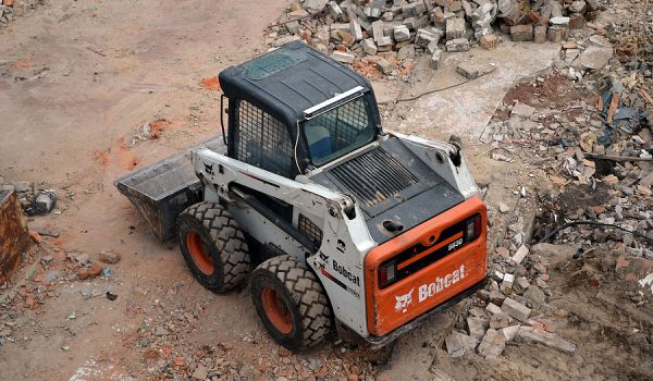 The 5 Advantages Of Bobcat Hire For Your Worksite