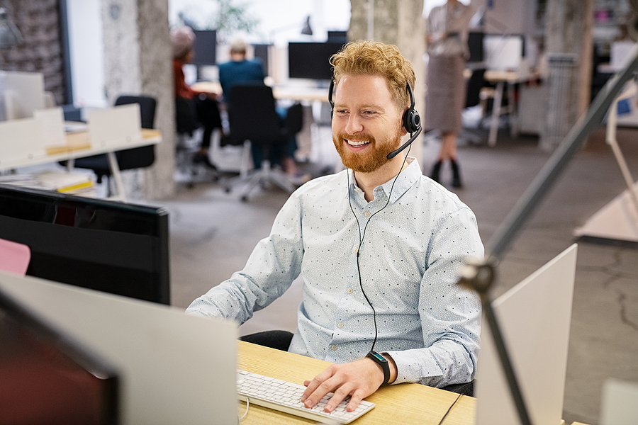 Male worker providing managed IT services in Sydney